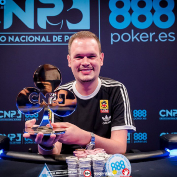 Víctor Jiménez memenangkan CNP 888 di Malaga